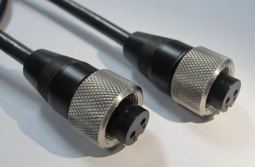 加速度传感器2针2孔插头主要使用于振动传感器连接器,其作用保证,振动传感器在振动过程中保证信号的可靠连接。